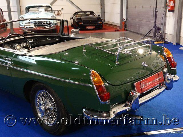 MG B Roadster Green '66 #11