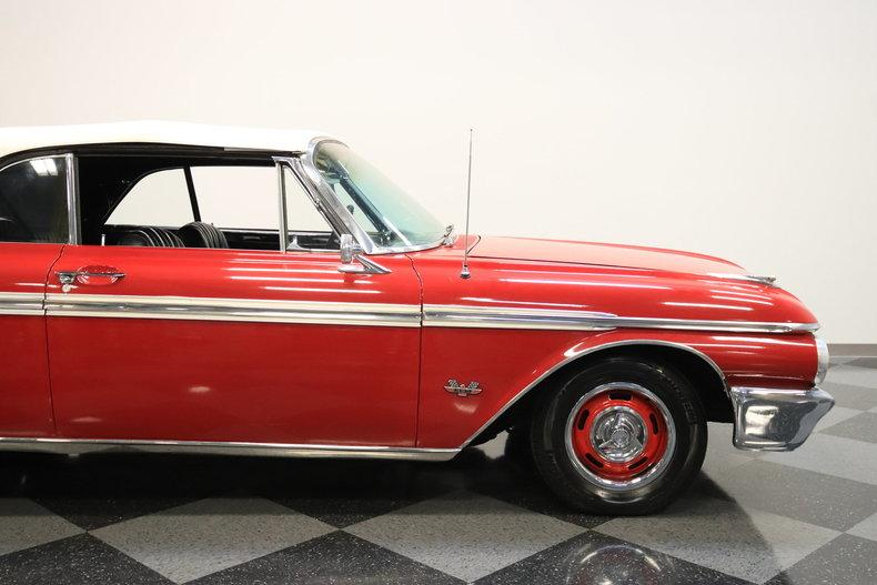1962 Ford Galaxie 500 Sunliner #23