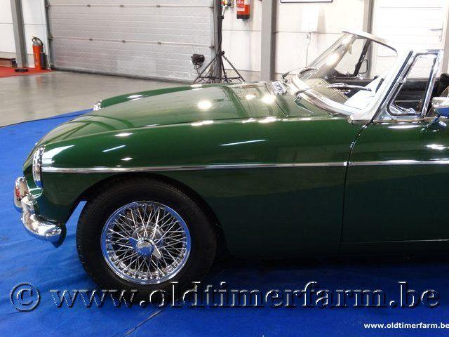 MG B Roadster Green '66 #8