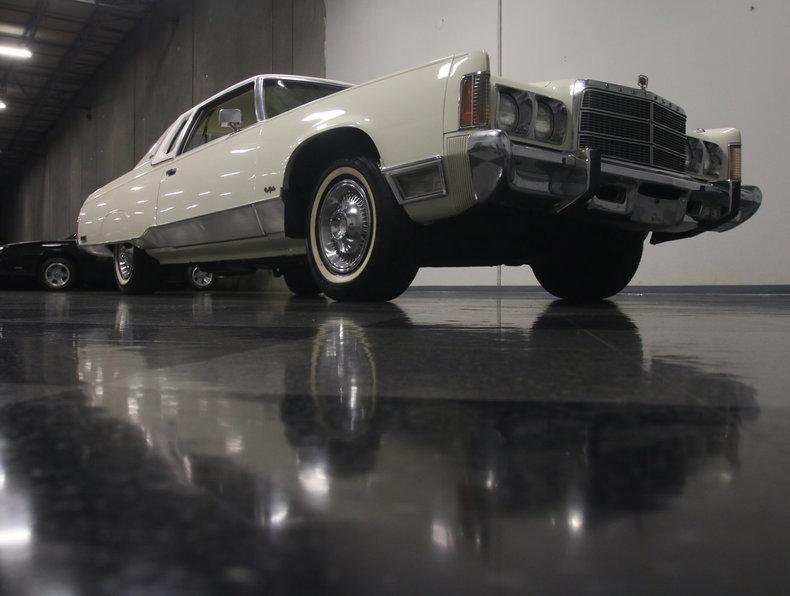 1975 Chrysler New Yorker Brougham #28