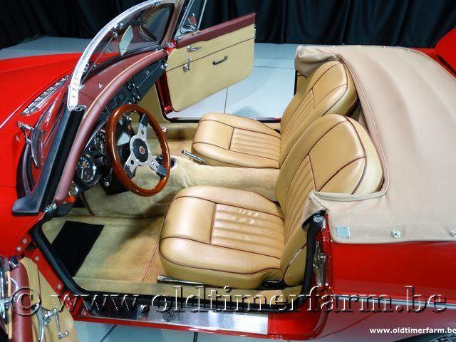 MG B Roadster Red '67 #142