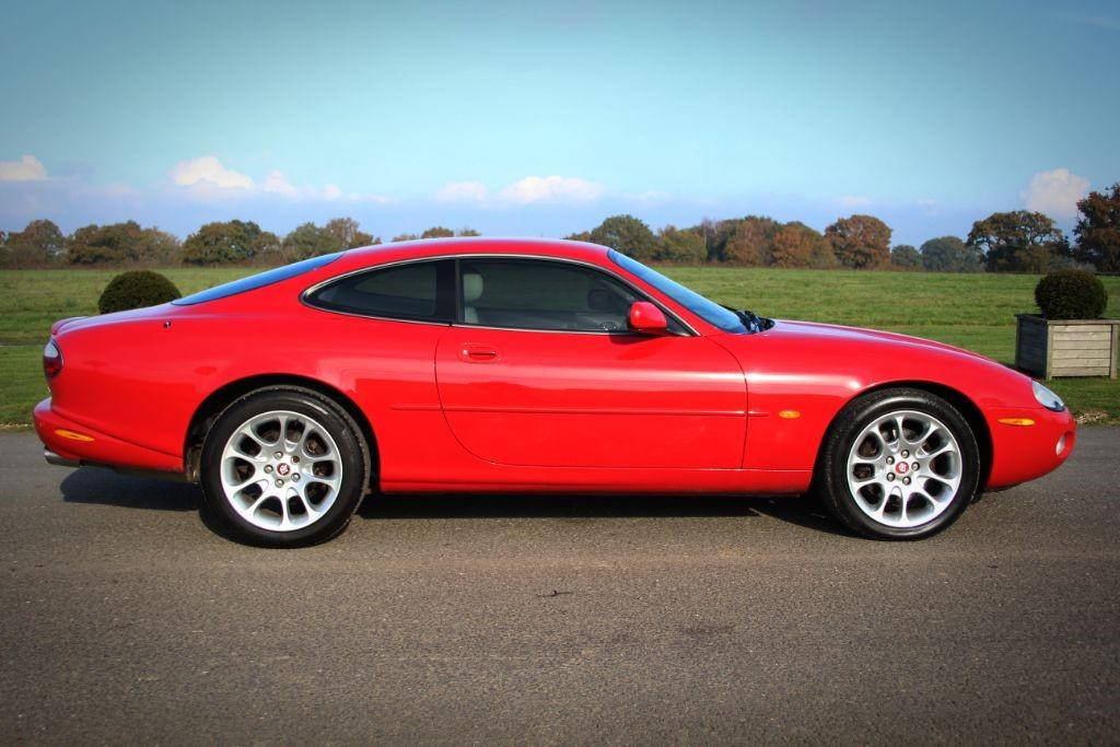 Jaguar XK XKR COUPE #2