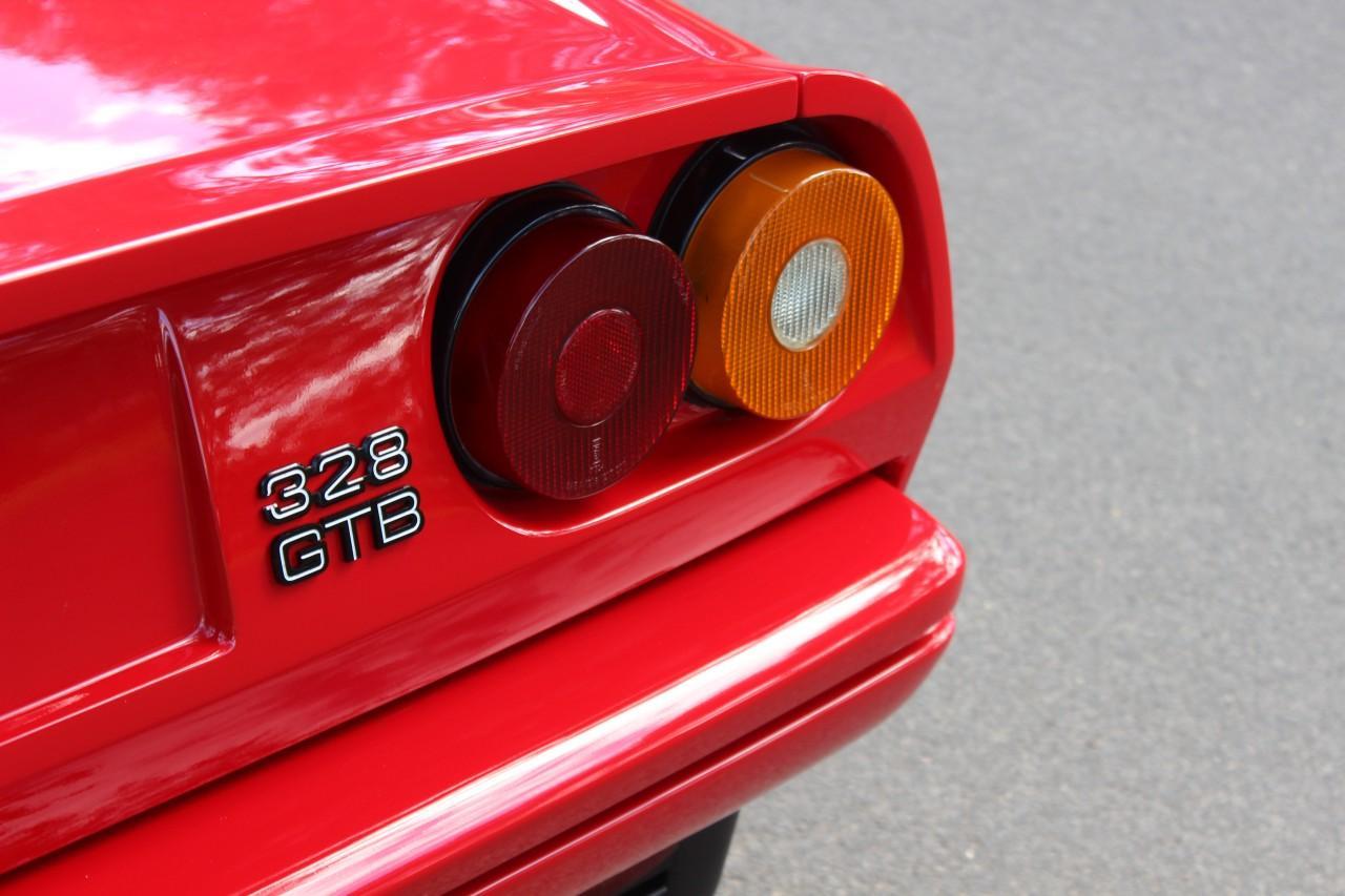 Ferrari 328 GTB #8