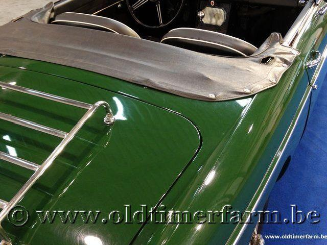MG B Roadster Green '66 #37