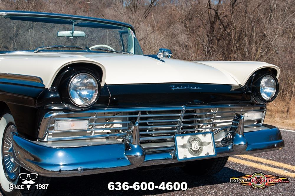 1957 Ford Fairlane 500 Sunliner Restomod #16