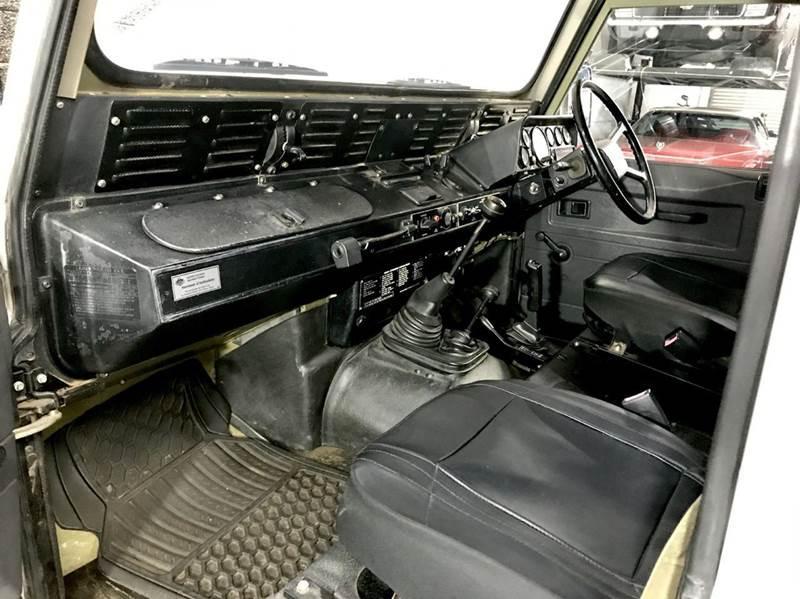Land Rover Defender 110 Perentie Ambulance 6x6 1989 #7