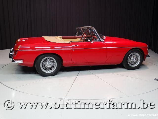 MG B Roadster Red '67 #37