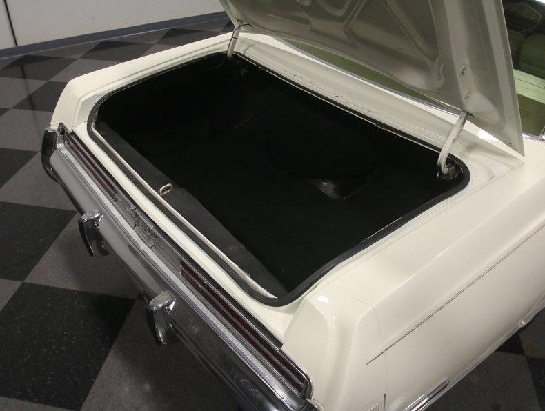 1975 Chrysler New Yorker Brougham #35