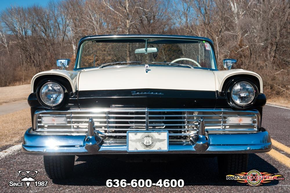 1957 Ford Fairlane 500 Sunliner Restomod #1