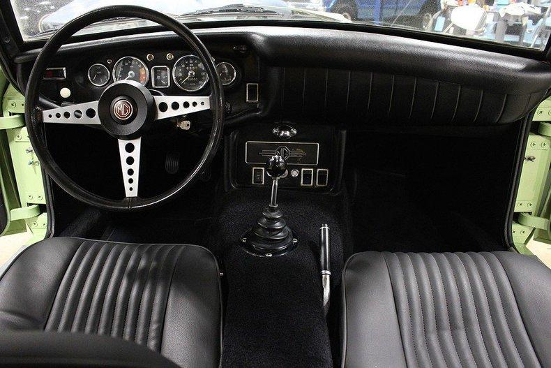 1970 MG MGB GT #19