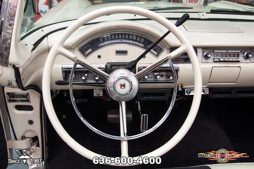 1957 Ford Fairlane 500 Sunliner Restomod #83