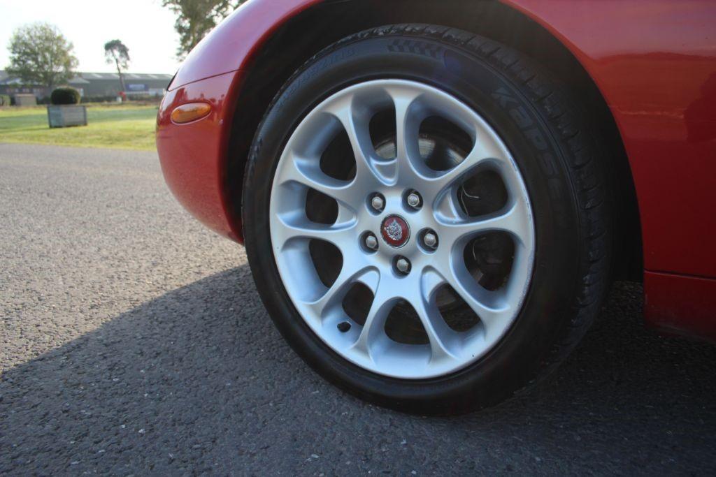 Jaguar XK XKR COUPE #10