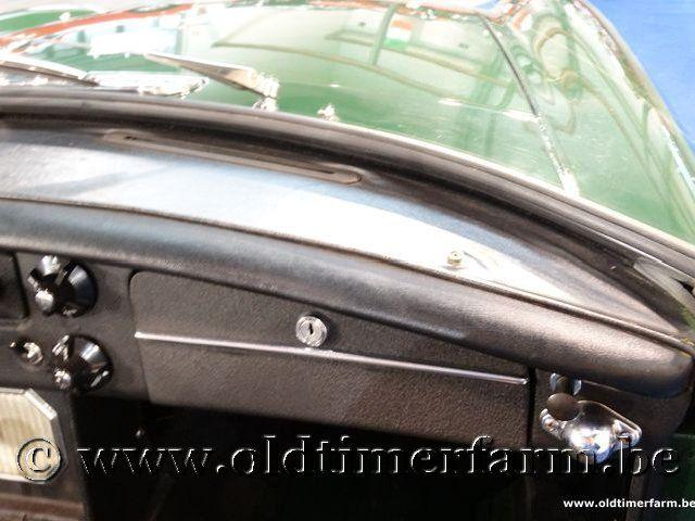 MG B Roadster Green '66 #107