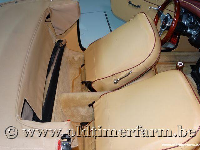 MG B Roadster Red '67 #182