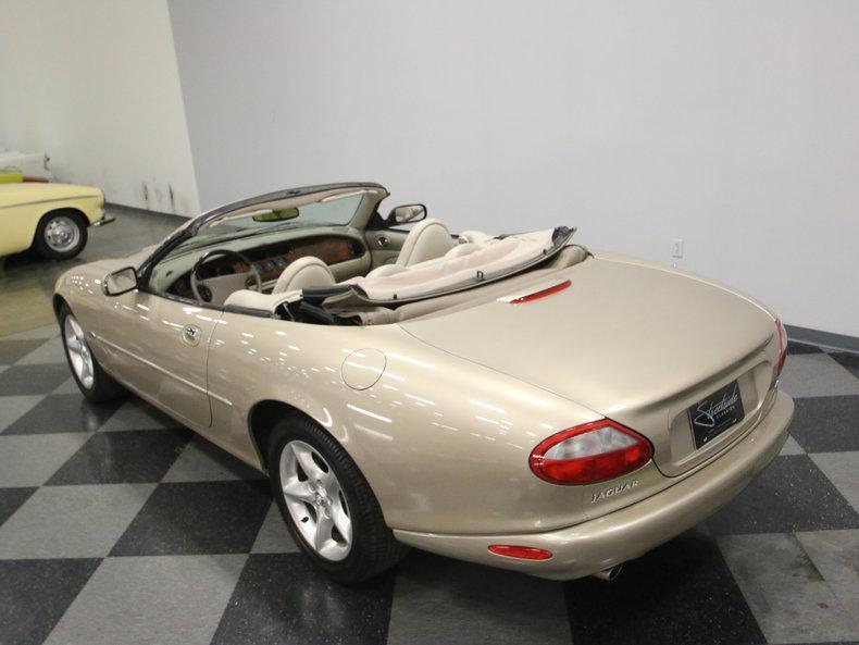 2000 Jaguar XK8 #18