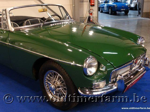 MG B Roadster Green '66 #17