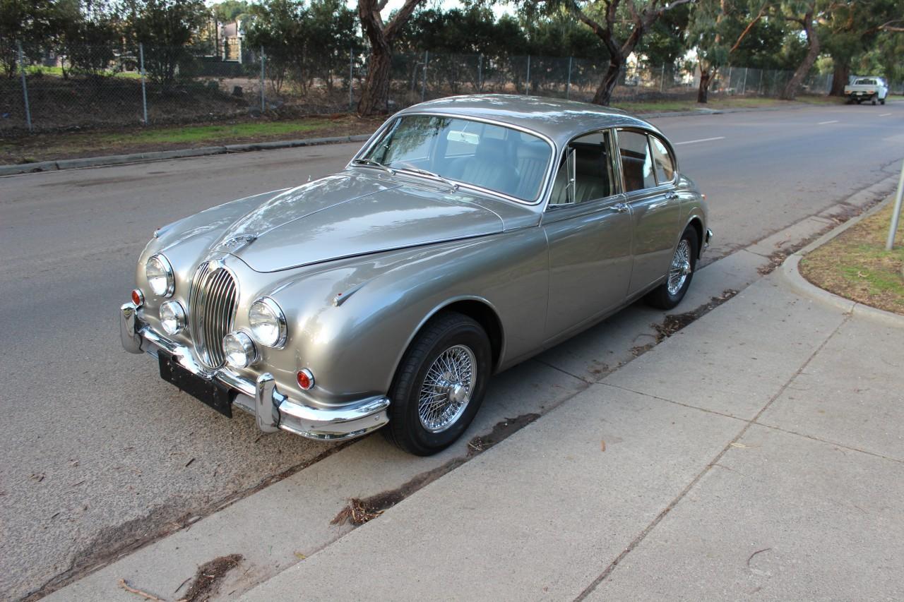 Jaguar 3.8 MKII #1