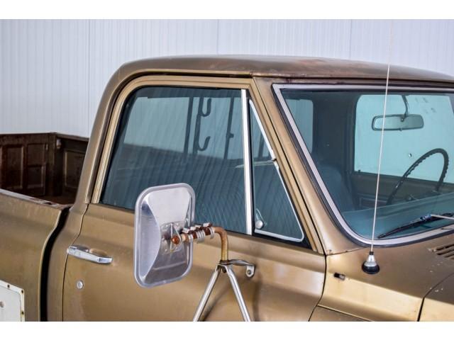 Chevrolet Pickup Custom Camper V8 #29