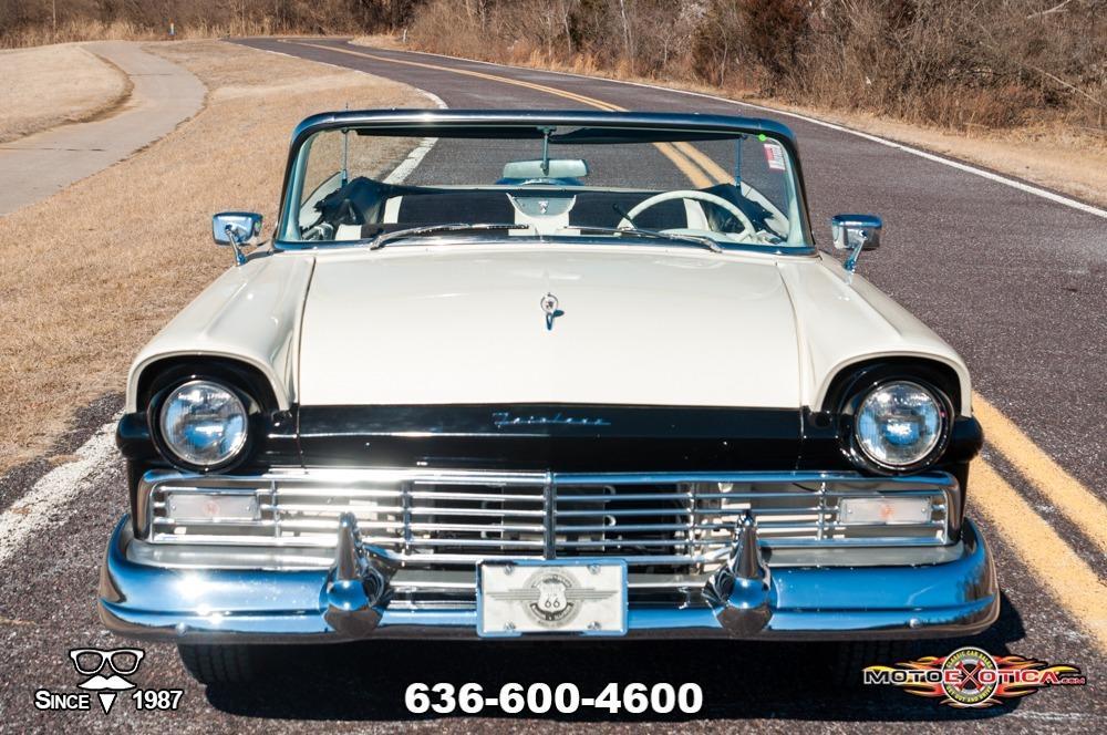1957 Ford Fairlane 500 Sunliner Restomod #2