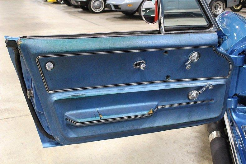 1965 Chevrolet Corvette #13