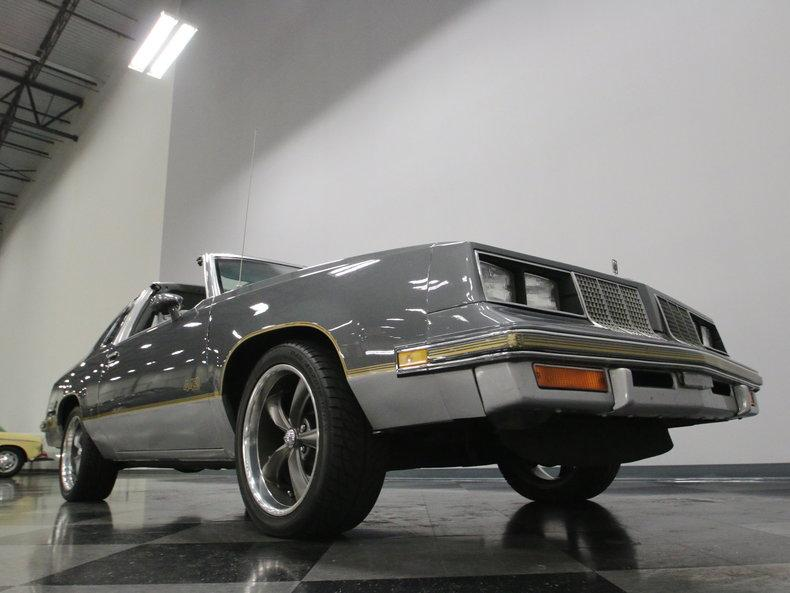 1985 Oldsmobile 442 #29
