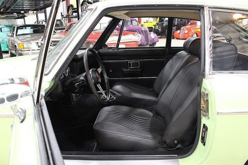 1970 MG MGB GT #33