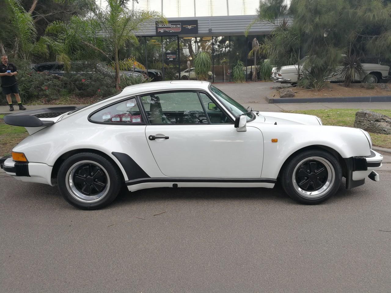 Porsche 930 Turbo #9