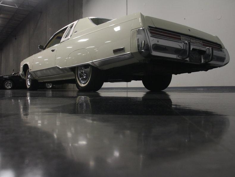 1975 Chrysler New Yorker Brougham #15