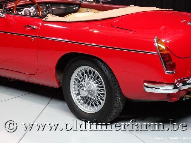 MG B Roadster Red '67 #89