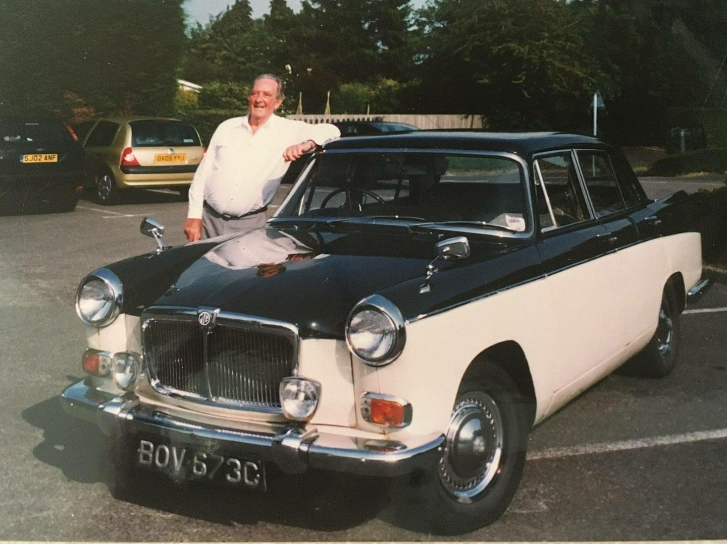 Plans to raise £10,000 after 87-year-old\'s MG destroyed ...