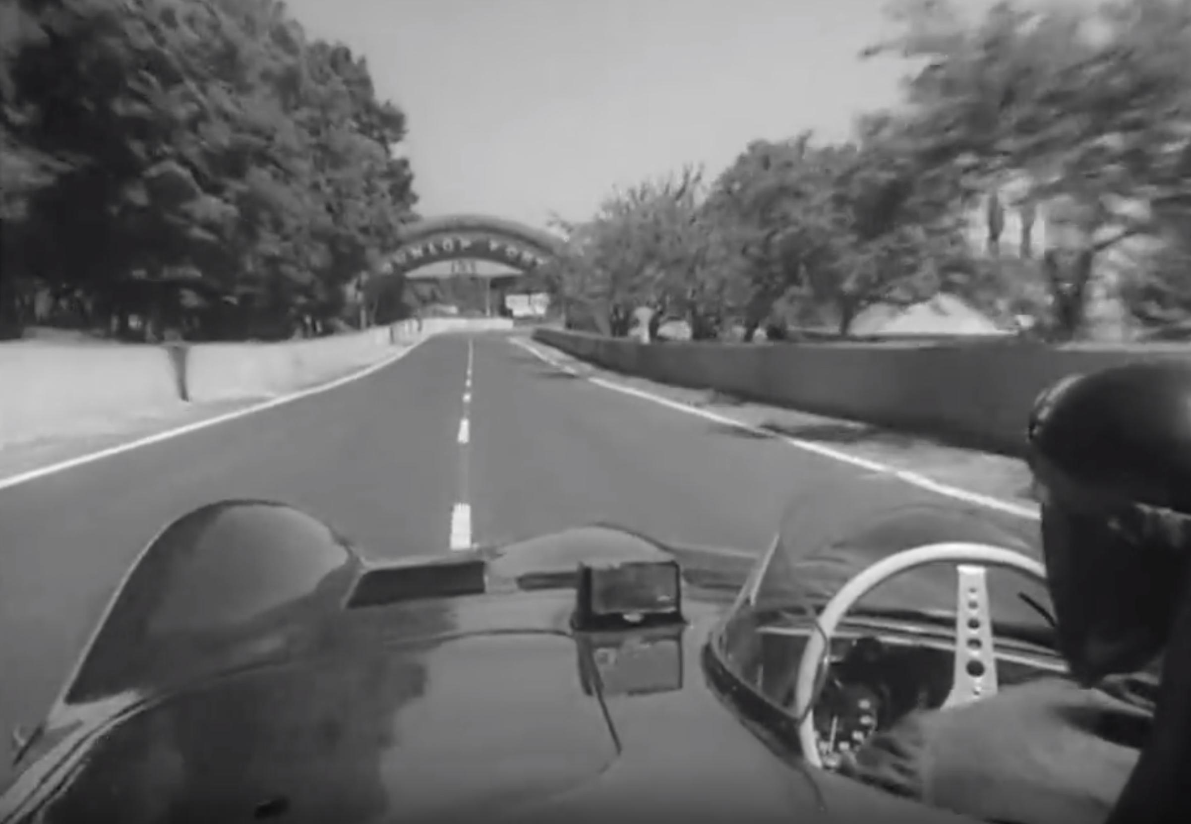Watch: Mike Hawthorn Take On Le Mans In His Jaguar D-Type
