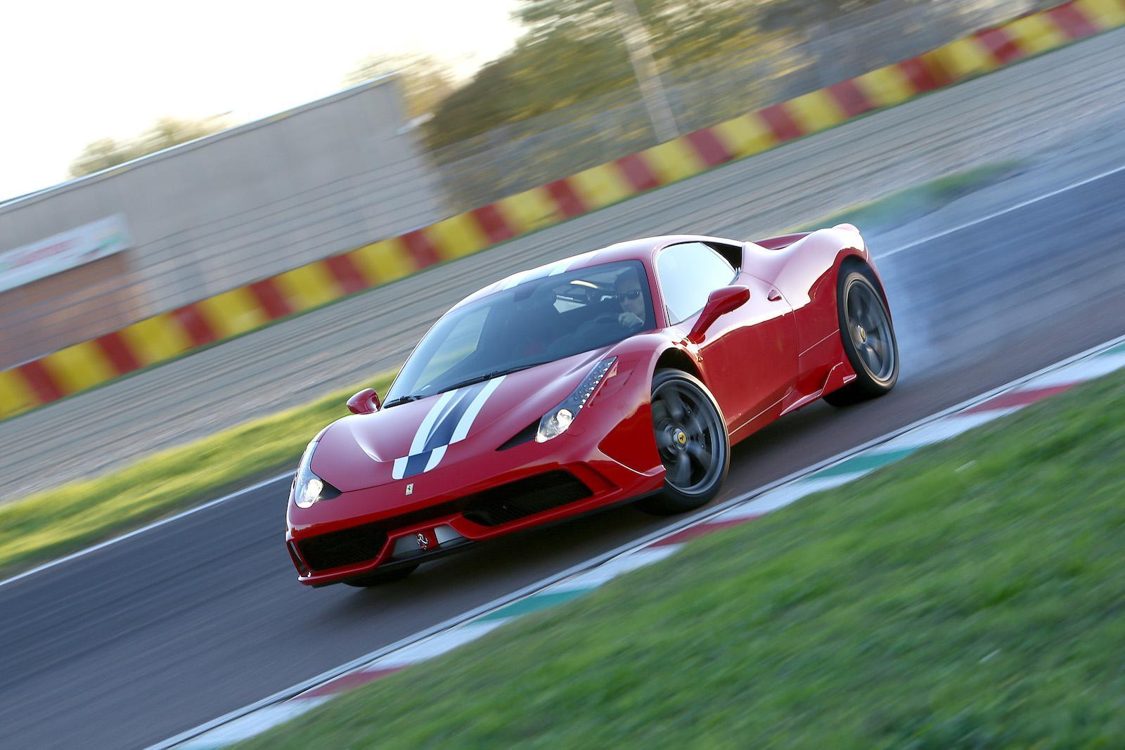 Top 10 V8-powered Modern Classics