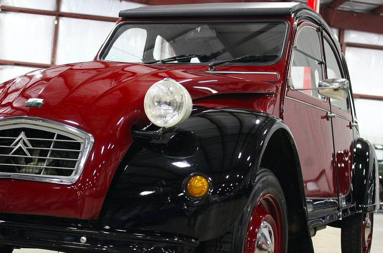 Classified Hero: Citroën 2CV Charleston