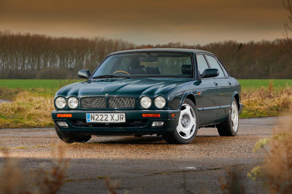 driven  jaguar xjr  u2013 the car that revitalised the big cat
