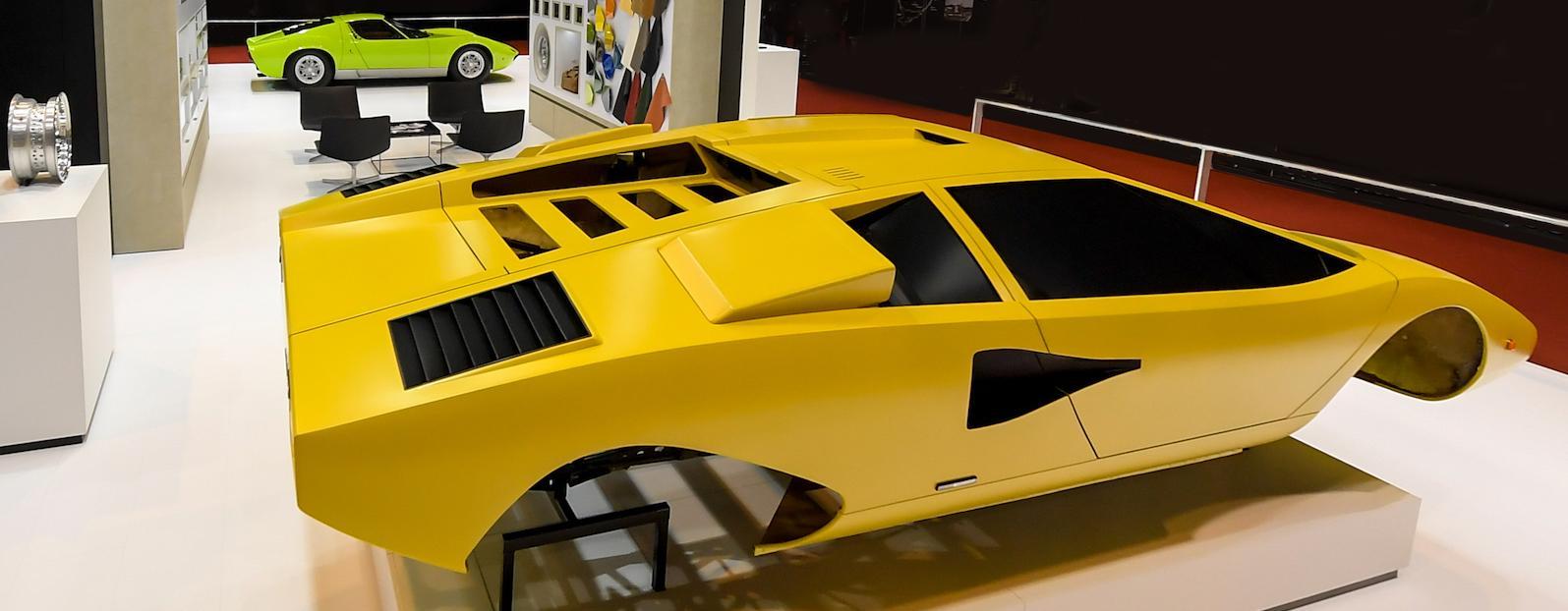 Lamborghini, Fiat Chrysler to present restored cars at Rètromobile