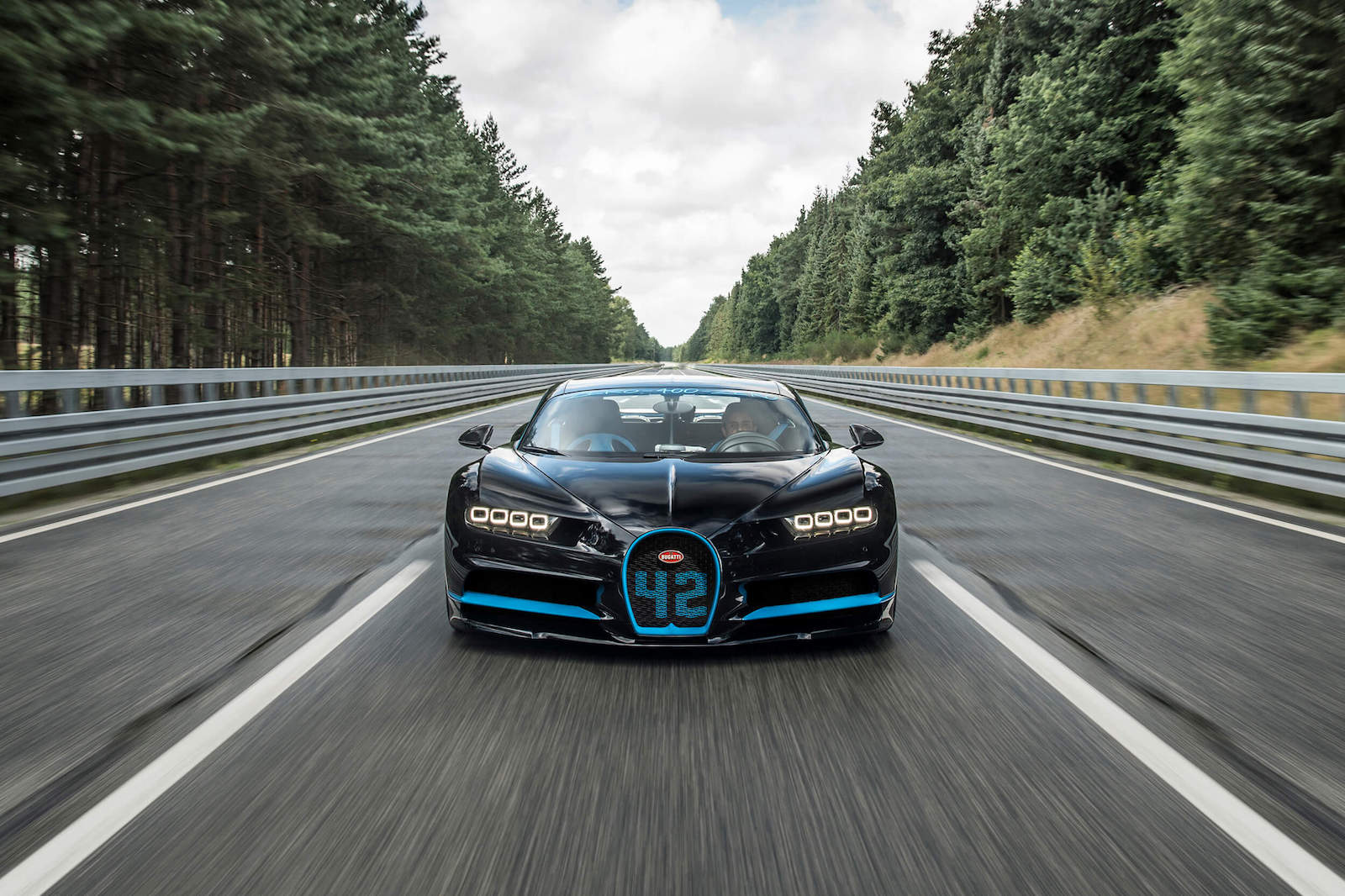 Bugatti Chiron: 0-400-0 km/h in 42 seconds!