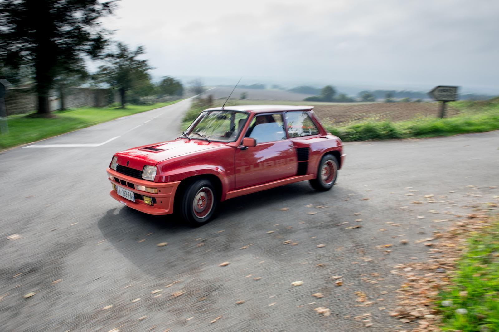 Ragnotti drives Renault 5 Turbo 1 (sideways)
