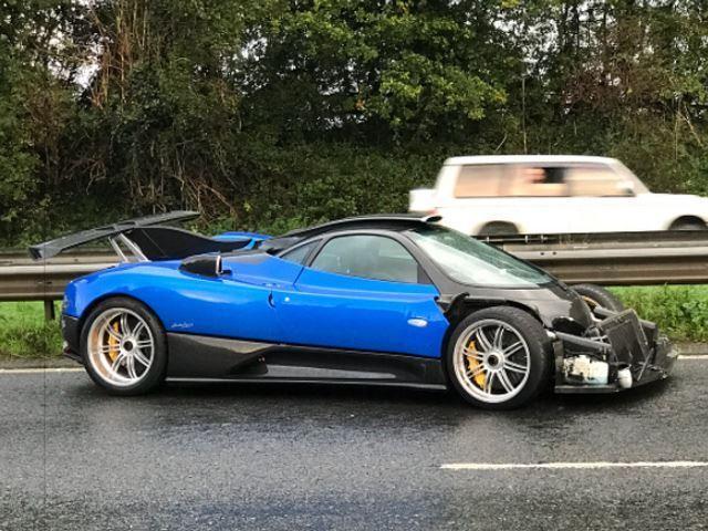 Bespoke Pagani Zonda involved in crash