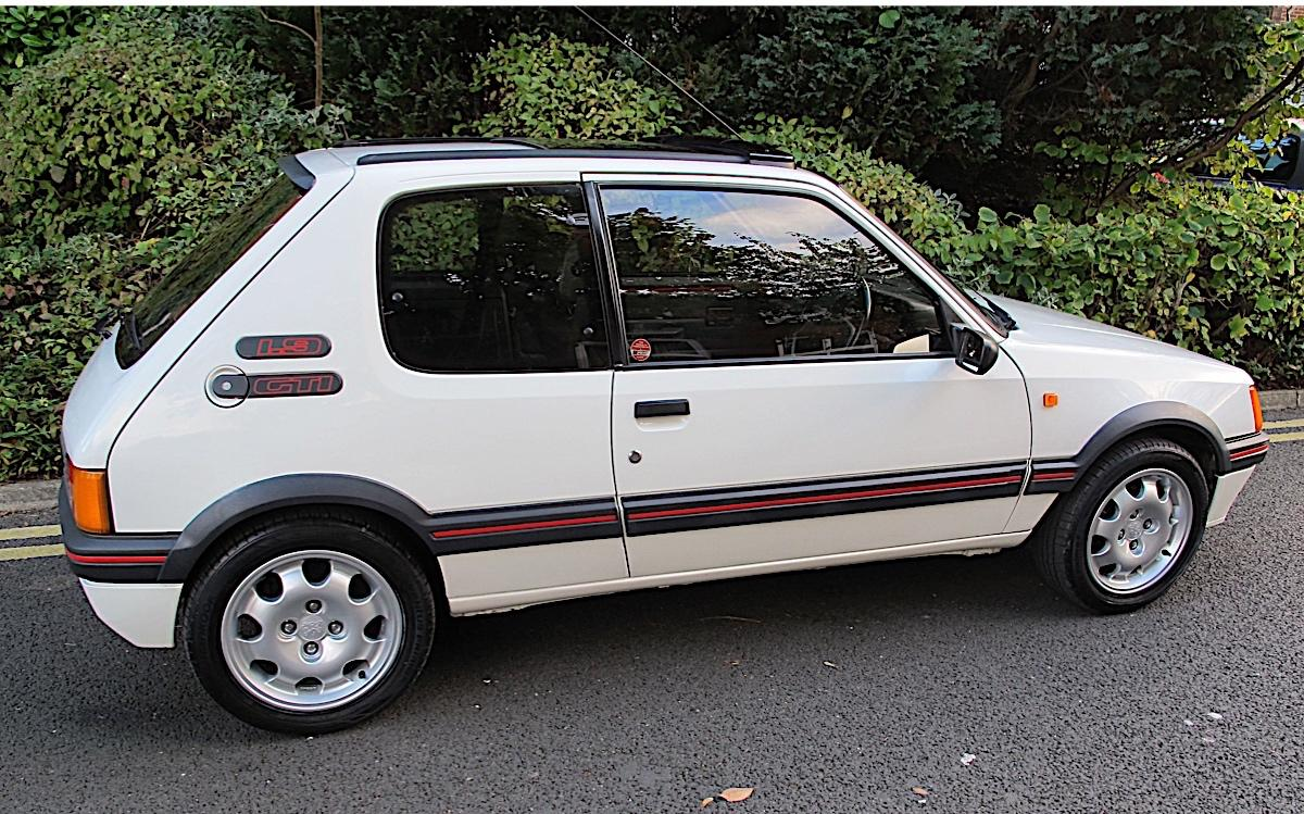 Auction insider: 205GTI makes £26,250 at Barons