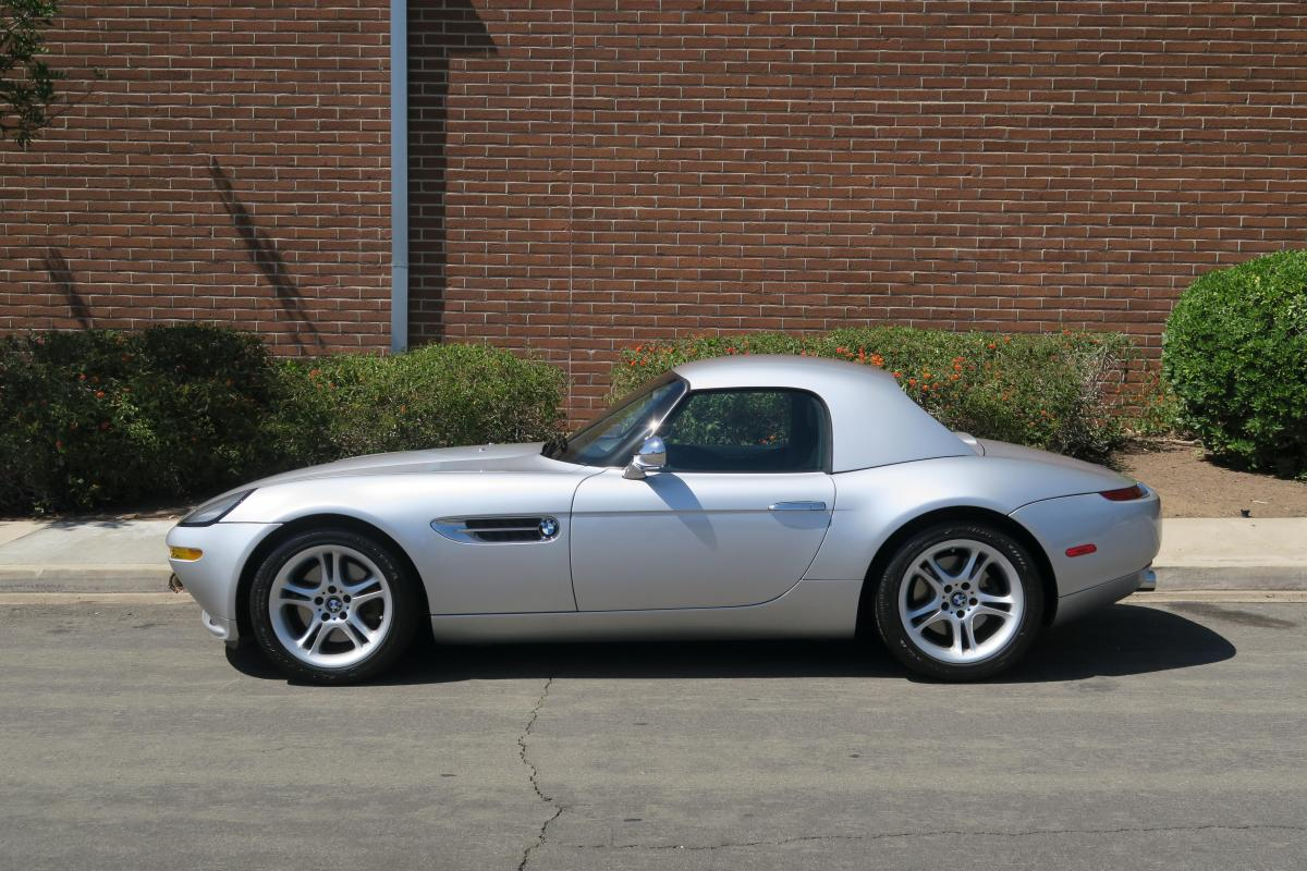 Low-milage BMW Z8 for sale: Bond's opinion-splitting BMW