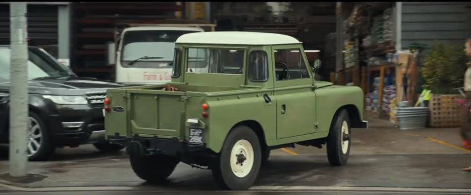 Chris Evans Gifts Peter Rabbit Land Rover To Lynn Bowles Autoclassics Com
